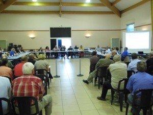 Le conseil municipal exonère les propriétaires de foncier non bâti: Trets ne cédera pas au matraquage fiscal!  p1020010-300x225